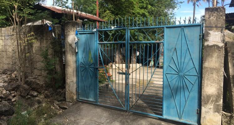 1. Gate